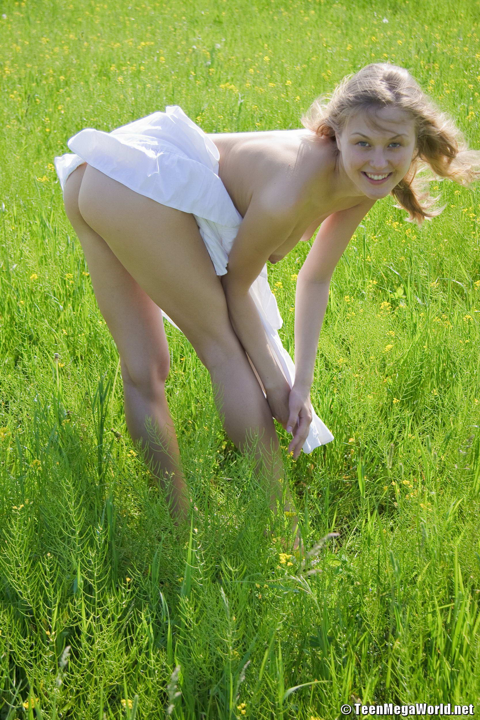 Naked girls pleasing — img 12