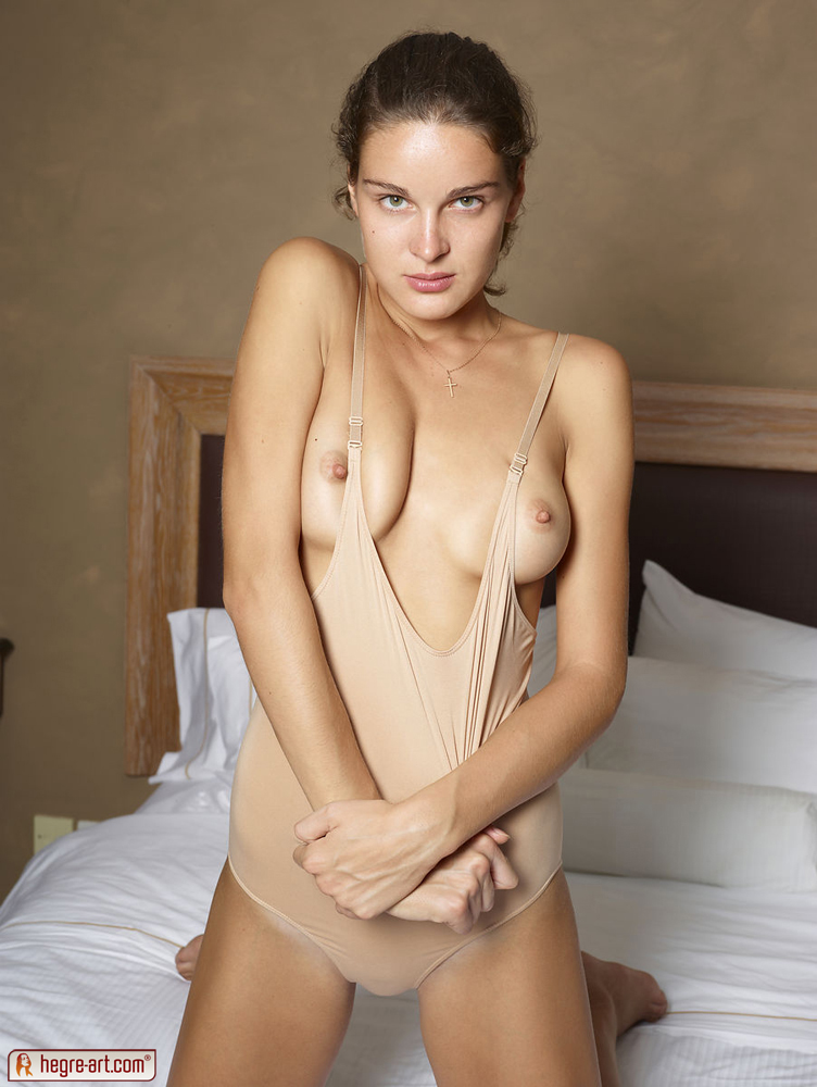 Nude Girl Solo In Bed